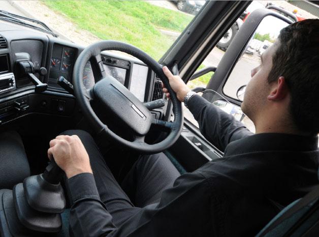 HGV, LGV, Minibus<br />& Trailer Training